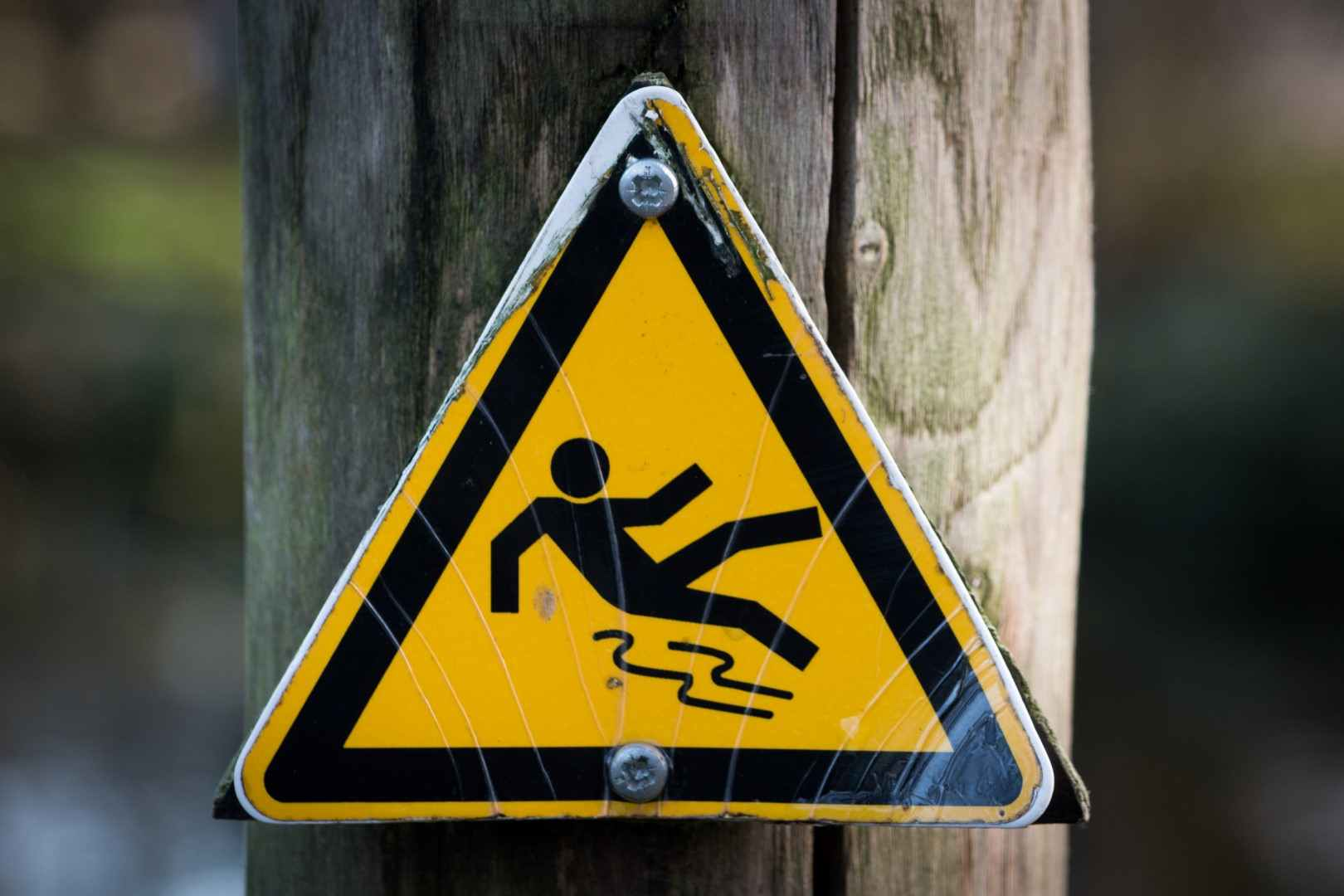 sign-slippery-wet-caution-Large
